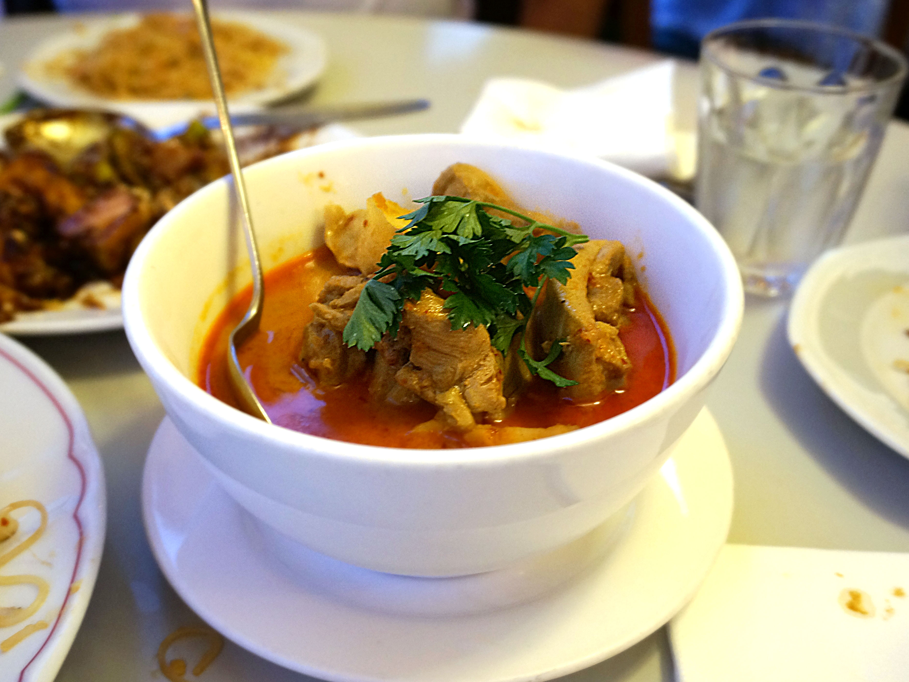 Old Colonial Chicken Curry - 'Boneless chicken meat cooked with traditional curry spices & potatoes'